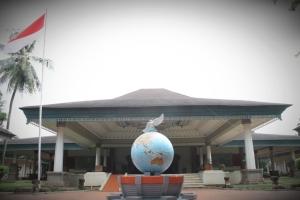 904_museum_ini_menyimpan_berbagai_jenis_perangko_dari_Indonesia_maupun_mancanegara